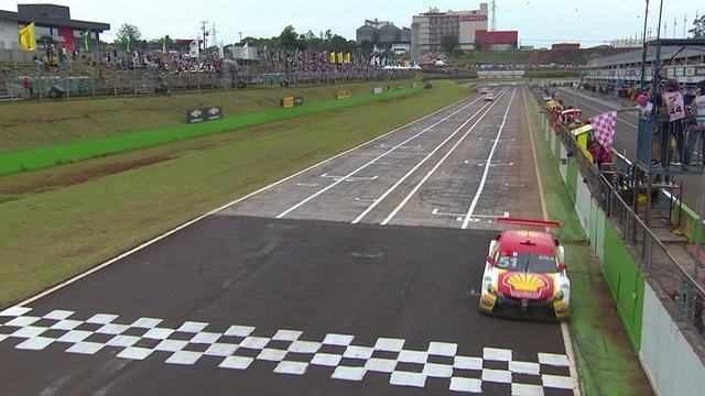 Átila Abreu vence a segunda prova da Stock Car em Cascavel