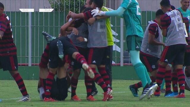 Os gols de Fluminense 0 x 3 Flamengo pelo jogo 1 da quarta de final do Campeonato Brasileiro sub 20