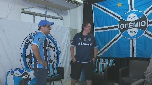 Ansiedade em alta: torcidas de Fla e Grêmio no AC na expectativa da semi da Libertadores
