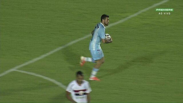 Gol do Londrina! Paulinho Moccelin manda de cabeça e empata o jogo, aos 33 do 2º tempo