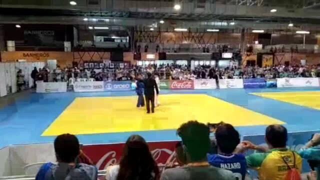 Comitiva de Rondônia comemora a conquista do judoca Lucas, no JEJ