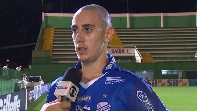 Feliz por estreia pelo CSA, Matheus Prado lamenta derrota e manda recado para a família