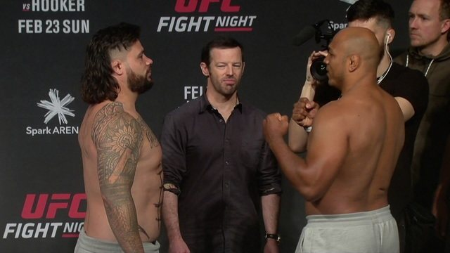 """Pesagem do UFC Aukland: Ben Sosoli x Marcos """"Pezão"""" pelo peso-pesado"""