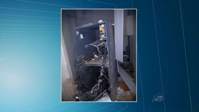 Quadrilha explode e foge com cofre de posto bancário no Ceará