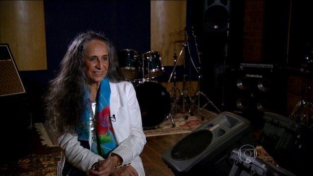 http://g1.globo.com/jornal-nacional/videos/t/edicoes/v/maria-bethania-comemora-50-anos-de-carreira/4233846/