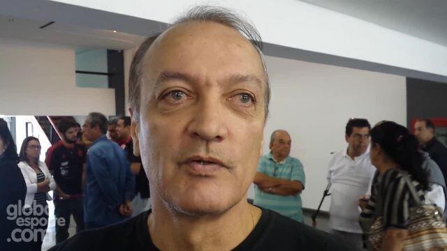 Zico e outros ídolos rubro-negros dão adeus a Carlinhos Violino na Gávea