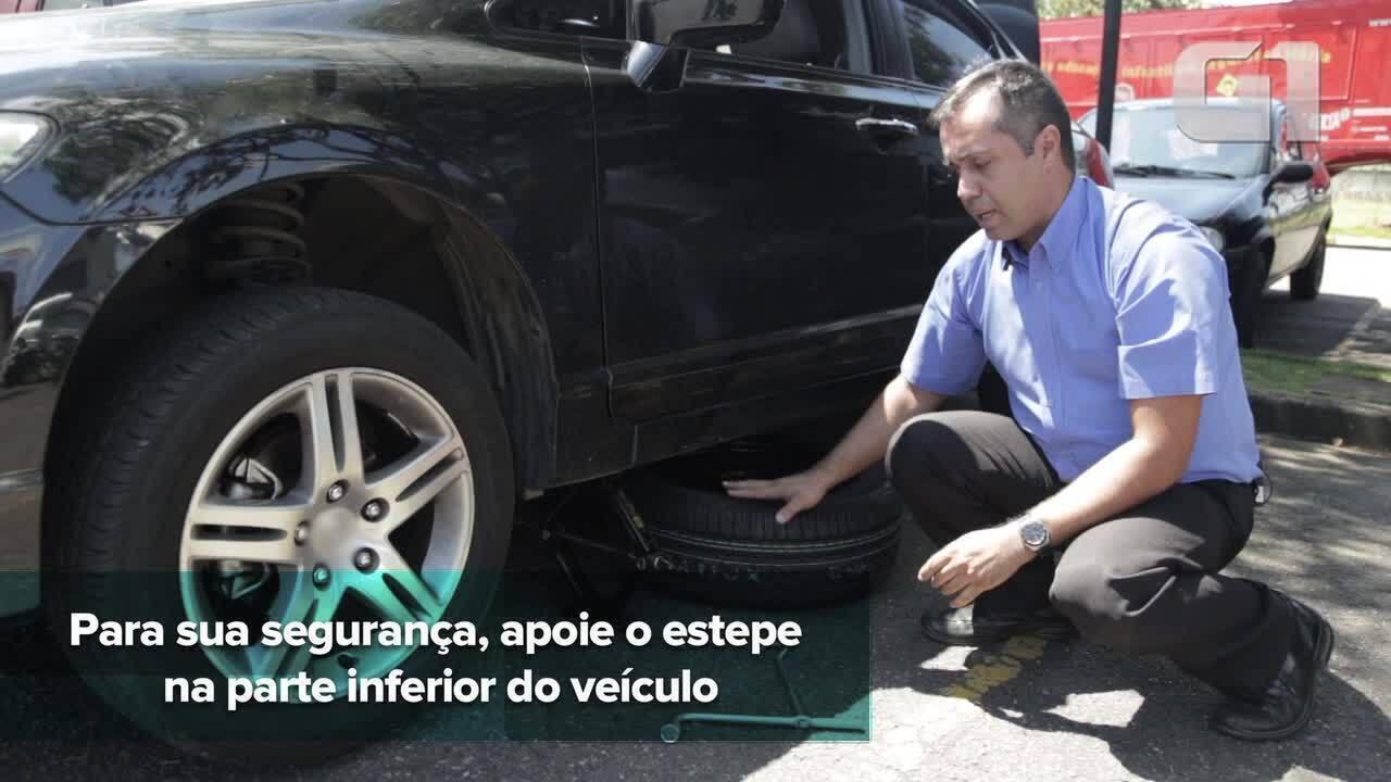 cb4115ffd14 Guia Prático  100  Veja passo a passo para troca de pneu - G1 Carros - Guia  Prático - Dicas úteis sobre carros e motos - Vídeos - Catálogo de Vídeos