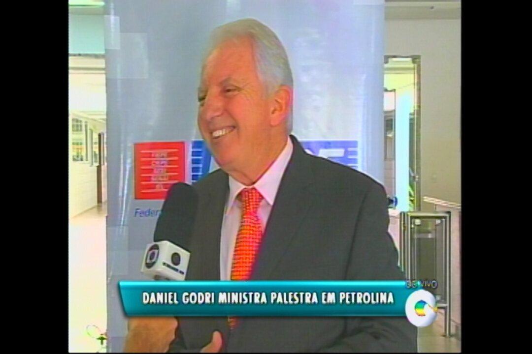 Daniel Godri Vai Ministrar Palestra Sobre Motivação Produtividade E Competência Pessoal