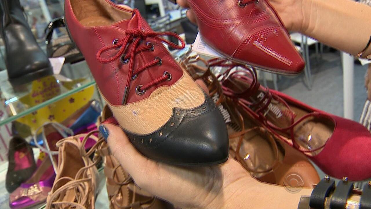 ec22890dc Indústrias de calçados encontram espaço de crescimento econômico - G1 Rio  Grande do Sul - RBS Notícias - Catálogo de Vídeos