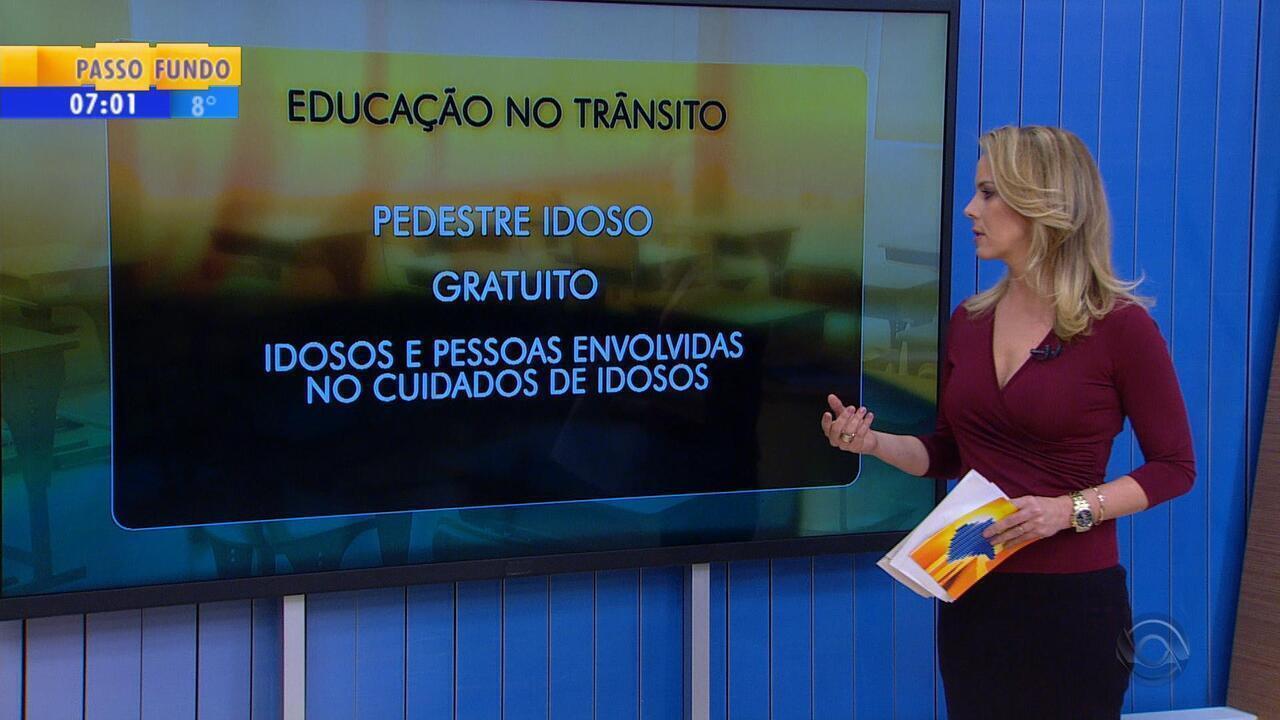 384ccef814 Curso gratuito para orientar idosos no trânsito é realizado em Porto Alegre  - G1 Rio Grande do Sul - Bom Dia Rio Grande - Catálogo de Vídeos