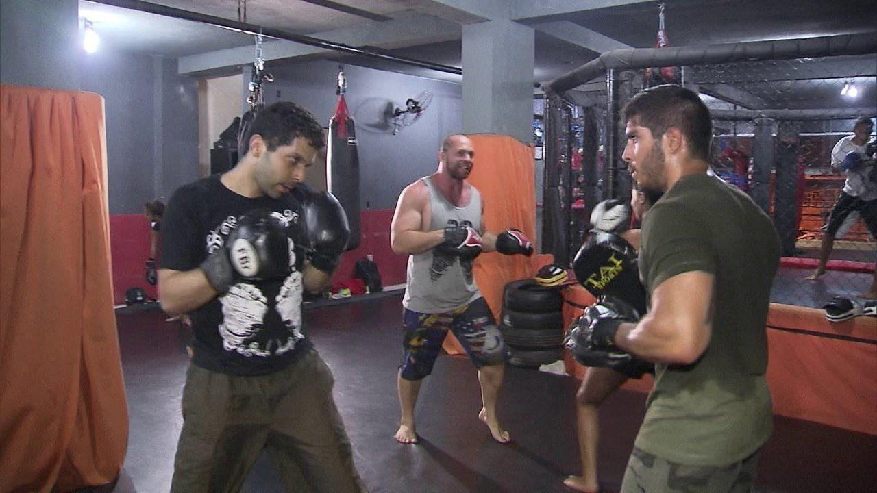 3db9fd5a6fdb9 Aulas de boxe em academia no DF vão até o início da madrugada - G1 Distrito  Federal - Vídeos - Catálogo de Vídeos