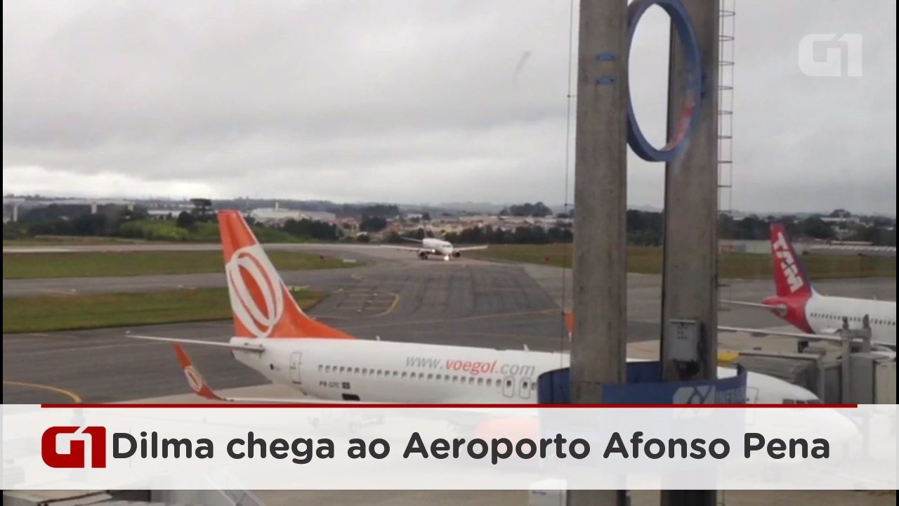 Ex-presidente Dilma chega ao Aeroporto Afonso Pena