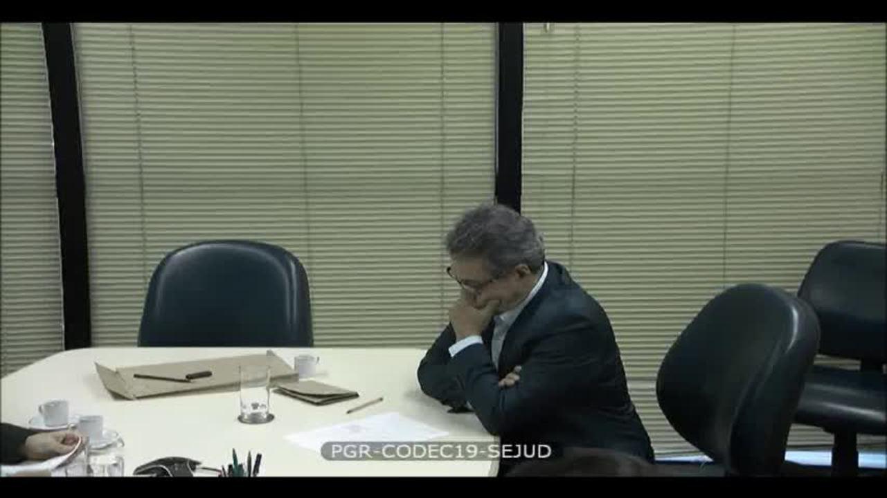 PF diz que aliado de Temer entregou mala com R$ 465 mil