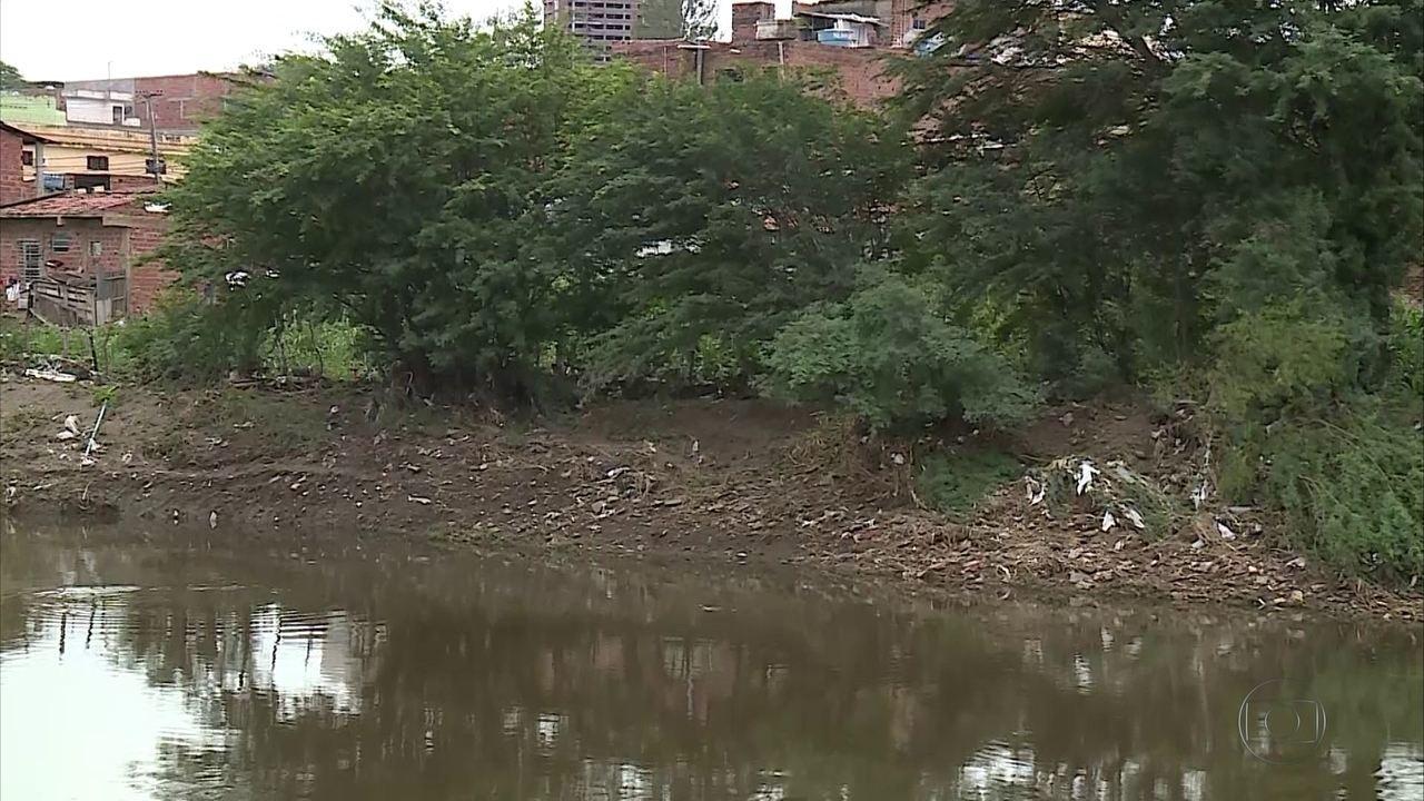 Sobe para seis número de vítimas das enchentes em Pernambuco