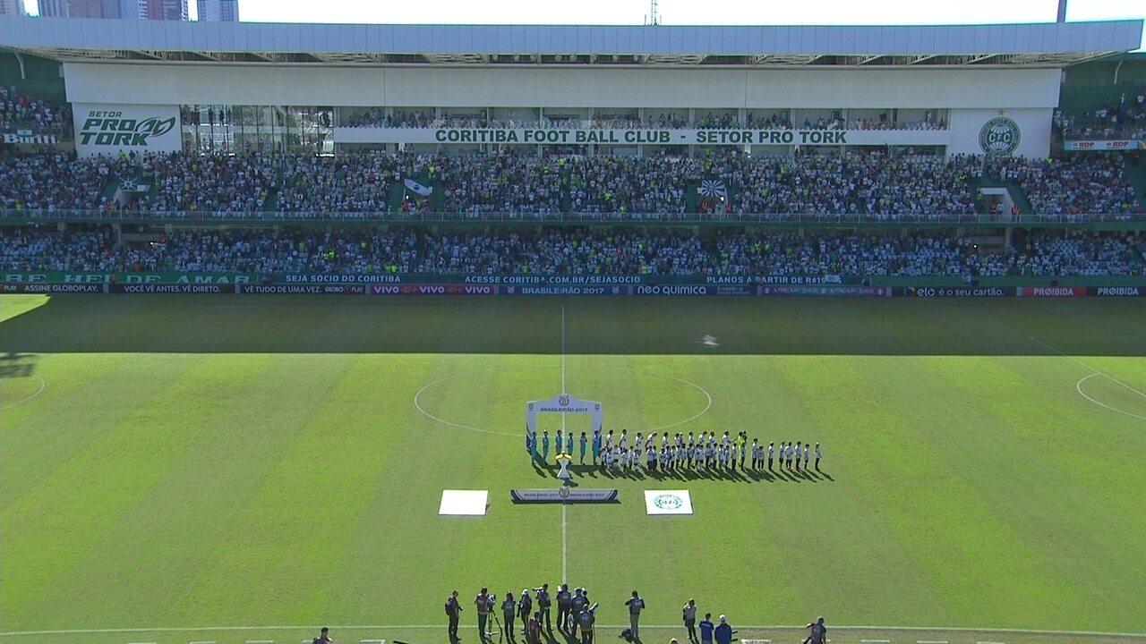 Briga de torcida faz Corinthians se atrasar, e hino toca apenas com o Coritiba em campo