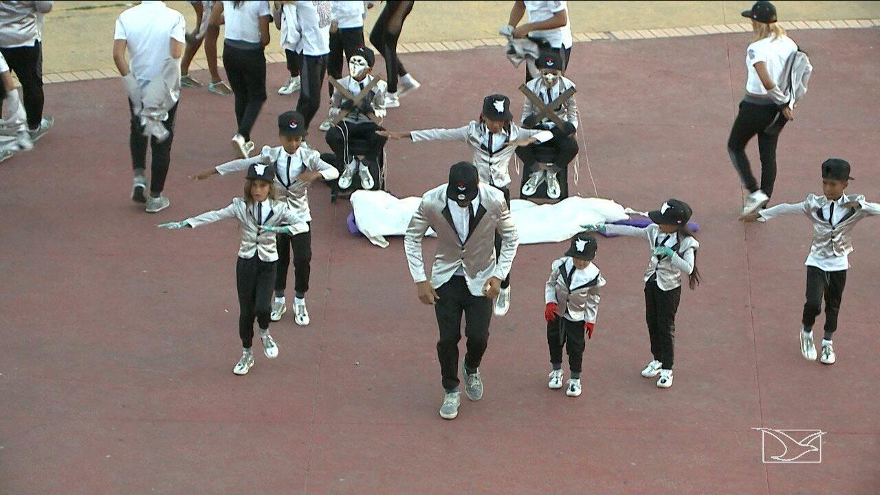 88fbaef754 Grupo de dança de rua promove uma mistura de ritmos em São José de Ribamar  - G1 Maranhão - JMTV 1ª Edição - Catálogo de Vídeos