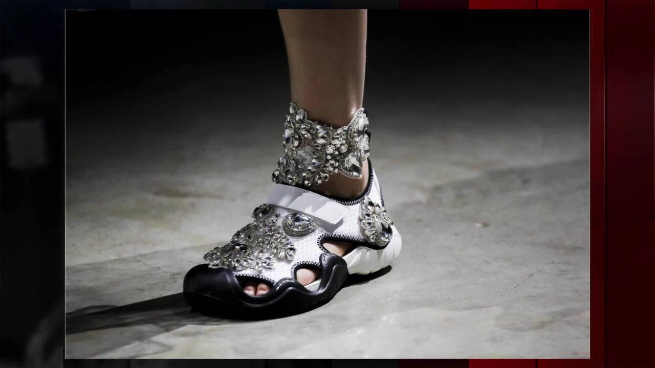 a11794c211752 Nova versão do calçado de borracha