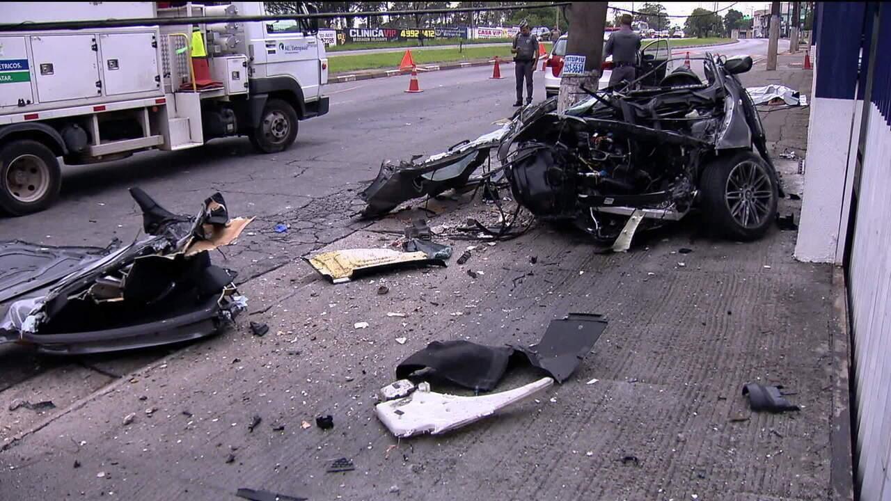 Casal morre em grave acidente com carro de luxo em Santo André (SP) -  GloboNews – Jornal GloboNews - Catálogo de Vídeos 41b7ad72230