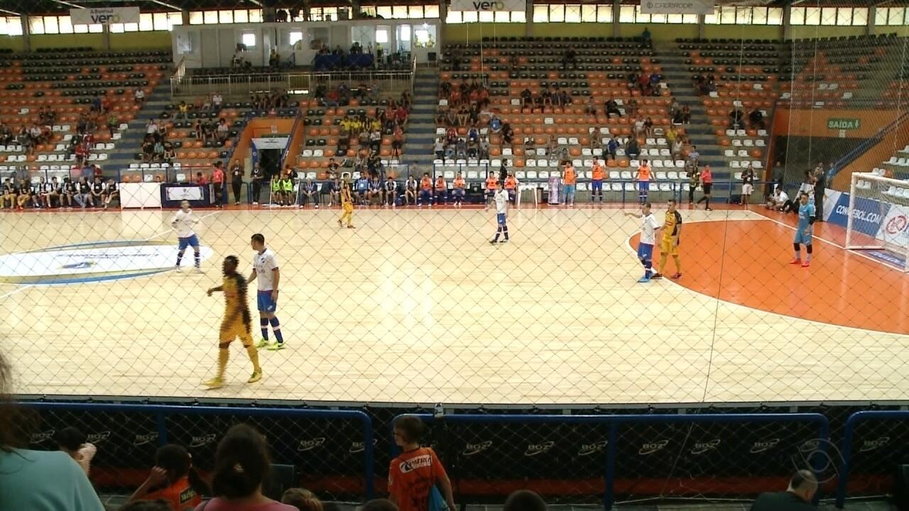 Jogos das quartas-de-final da Libertadores de Futsal vão ser disputados  hoje - G1 Rio Grande do Sul - Jornal do Almoço - Catálogo de Vídeos 2cfe17ad701c6