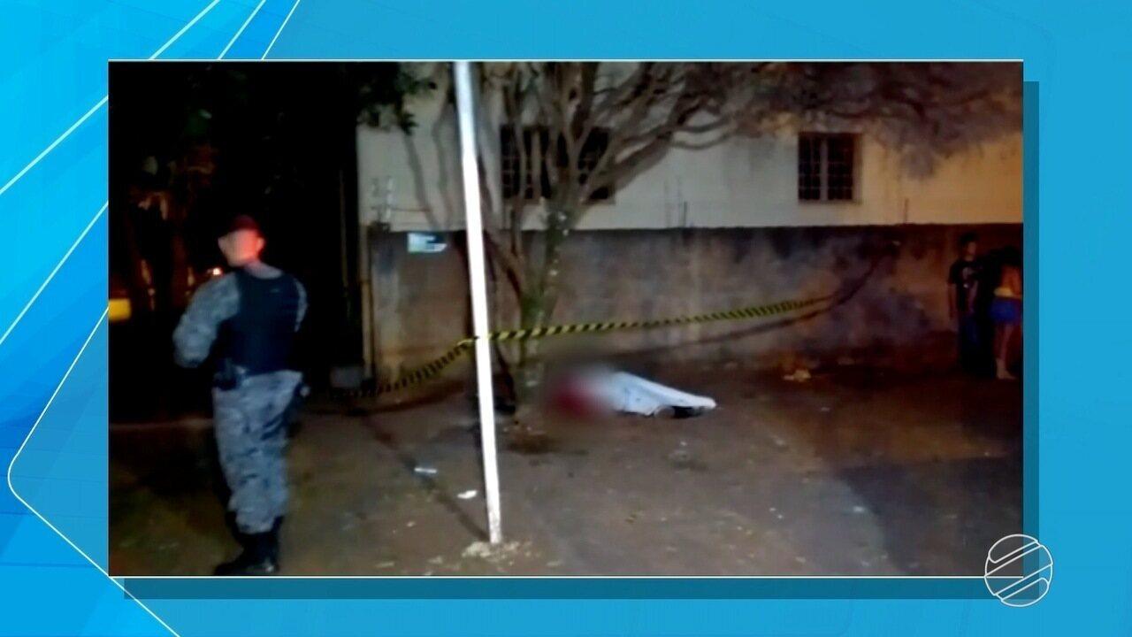 08c3be624 Jovem é morto com 5 tiros em lanchonete de Dourados, região sul de MS - G1  Mato Grosso do Sul - MSTV 1ª Edição - Catálogo de Vídeos