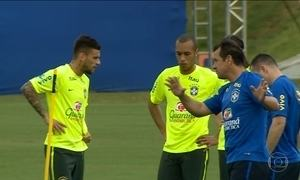 Seleção Brasileira já treina na Granja Comary para o jogo das eliminatórias contra Uruguai