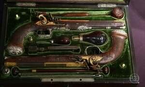 Pistolas de Simón Bolívar são leiloadas por US$ 1,8 milhão nos EUA