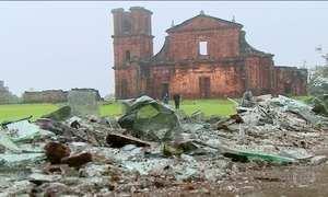 Tornado que causou morte e destruição no RS ainda assusta