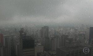 Temperatura cai em várias cidades do país