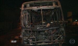 Operação investiga autoria de ataques a 15 ônibus