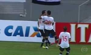 Vasco derrota Vila Nova e completa 30 jogos invicto