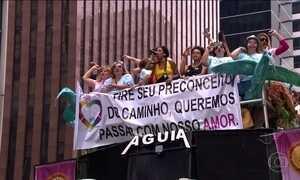 Parada de Orgulho LGBT leve 2 milhões de pessoas no Centro de SP