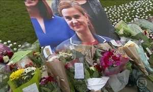 Homem que matou parlamentar Joe Cox vai ao tribunal em Londres