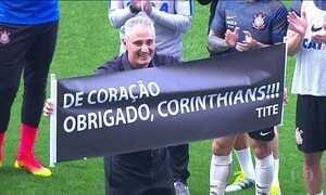 Corinthians vence Botafogo pelo Brasileirão e faz homenagem a Tite