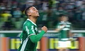 Palmeiras vence América-MG e lidera Série A do Brasileirão