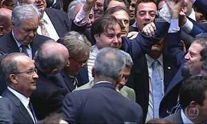Rodrigo Maia encontra Temer no primeiro dia como presidente da Câmara