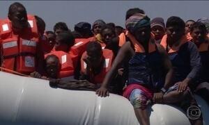 Médicos Sem Fronteiras encontram 22 corpos em barco de refugiados no Mediterrâneo