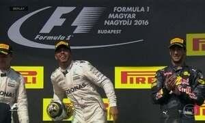 Lewis Hamilton vence na Hungria e assume a liderança na Fórmula 1
