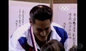 Saltador Greg Louganis ganhou medalhas de ouro mesmo depois de acidente