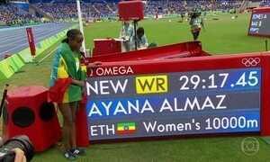 Atletismo estreia com quebra de recorde mundial
