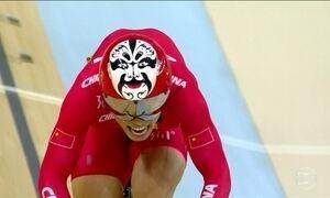 Veja as imagens olímpicas mais marcantes de sexta-feira (12)
