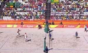 Alisson e Bruno vencem espanhóis no vôlei de praia