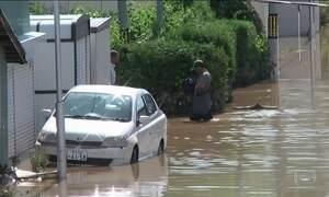 Tufão ainda mantém regiões do Japão em alerta
