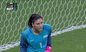 Seleção feminina dos EUA suspende goleira Hope Solo por seis meses