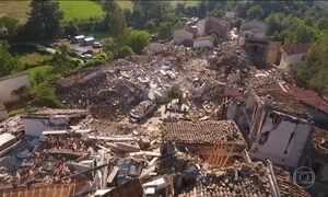 Itália decreta estado de emergência após terremoto na região central do país