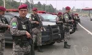 Mais de 100 soldados chegam a Porto Alegre