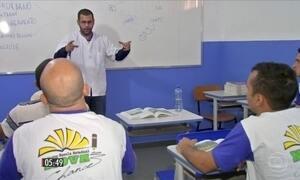 Projeto de ensino ajuda a transformar vidas na prisão