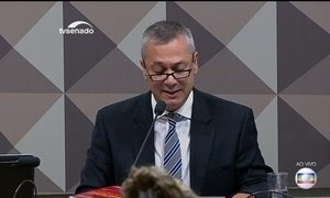 Michel Temer demite advogado-geral da União