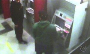 Polícia investiga roubos de armas de vigilantes de bancos em São Paulo