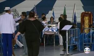 Corpo do presidente da Portela é enterrado no RJ