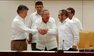 Eleitores colombianos rejeitam acordo de paz entre governo e as Farcs